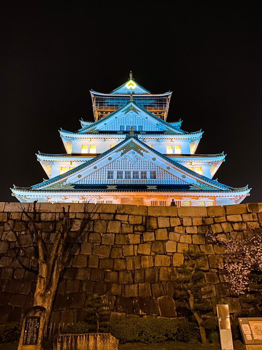 iPhone11で撮った大阪城のライトアップ
